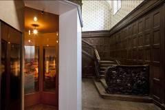 Johanna Smiatek, Ivory Tower. Im ehemaligen Foyer des Hotels. Foto: Roland Horn.