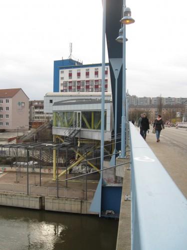 9.2.13: Südgebäude Grenzanlage – Blick Richtung Frankfurt (Oder) (Foto: P. Hentschel)