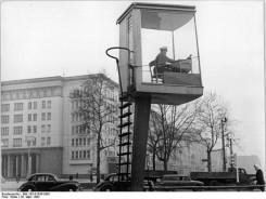 794px-Bundesarchiv_Bild_183-91638-0001